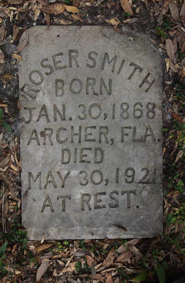 Roser Smith Gravestone Photo