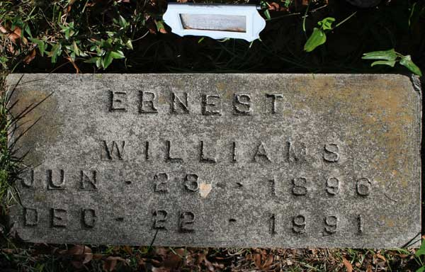 ERNEST WILLIAMS Gravestone Photo