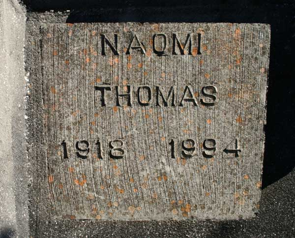 NAOMI THOMAS Gravestone Photo