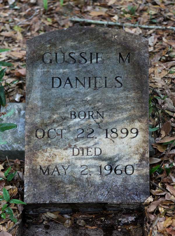 Gussie M. Daniels Gravestone Photo