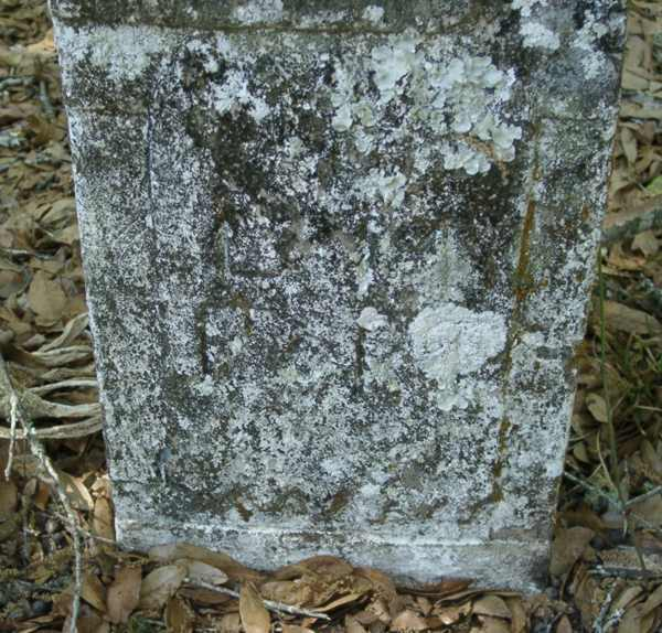 Unreadable marker Gravestone Photo