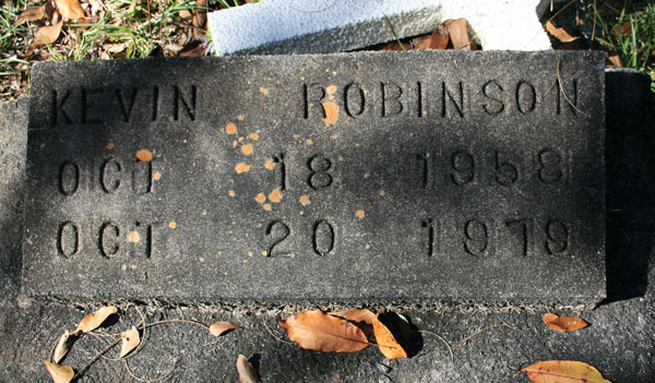 KEVIN ROBINSON Gravestone Photo