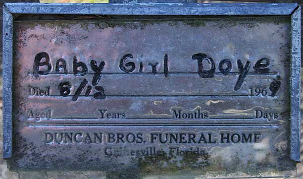 Baby Girl Doye Gravestone Photo