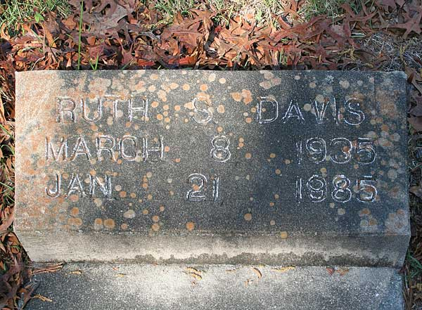 Ruth S. Davis Gravestone Photo