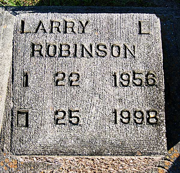Larry L. Robinson Gravestone Photo