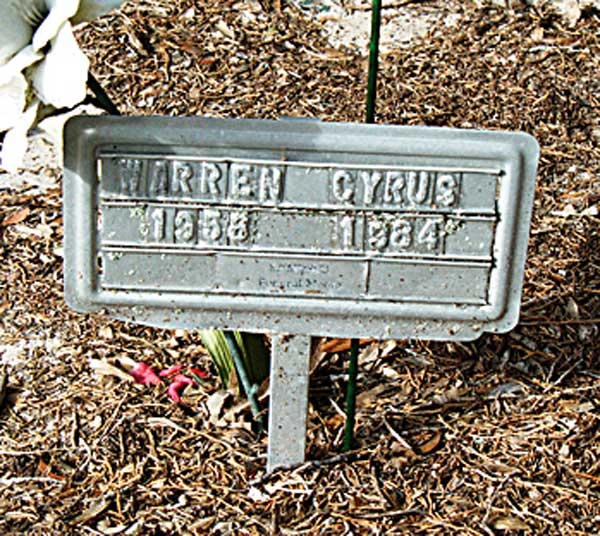 Warren Cyrus Gravestone Photo