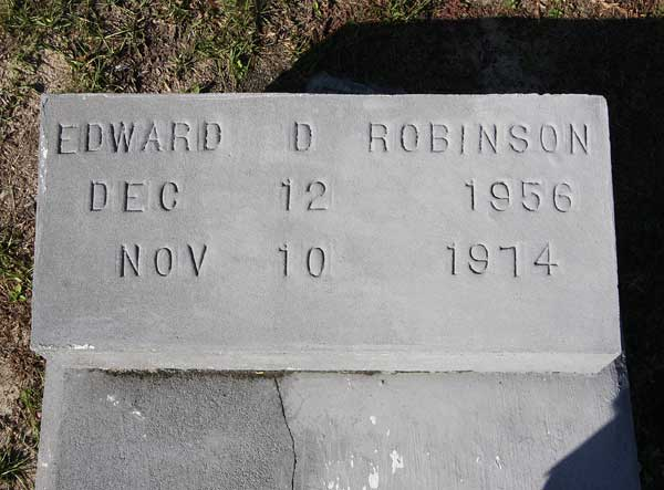 Edward D. Robinson Gravestone Photo
