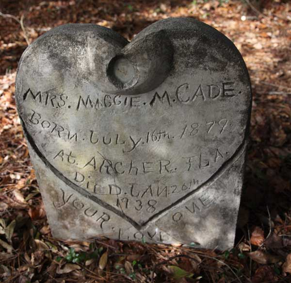 Maggie M. Cade Gravestone Photo