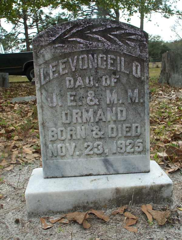 LeeVonceil O. Ormond Gravestone Photo