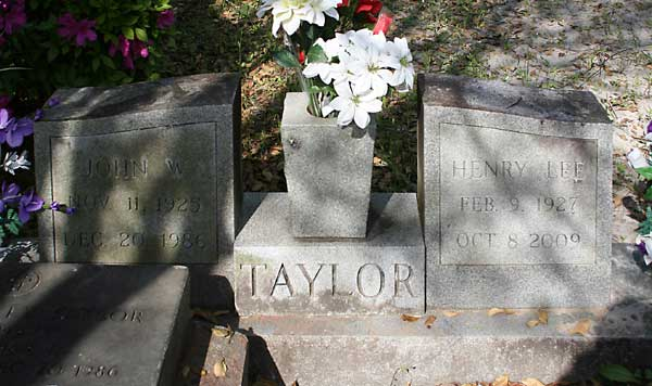 JOHN W. & HENRY LEE TAYLOR Gravestone Photo
