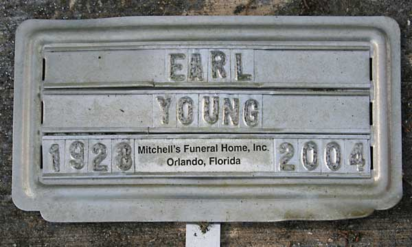 Earl Young Gravestone Photo