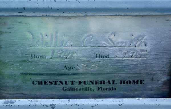 Willie Smith Gravestone Photo